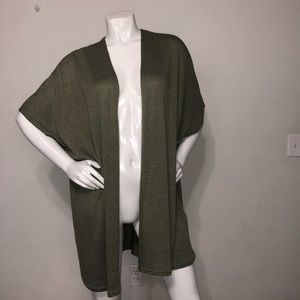 Forever 21 green short sleeve open cardigan sz m